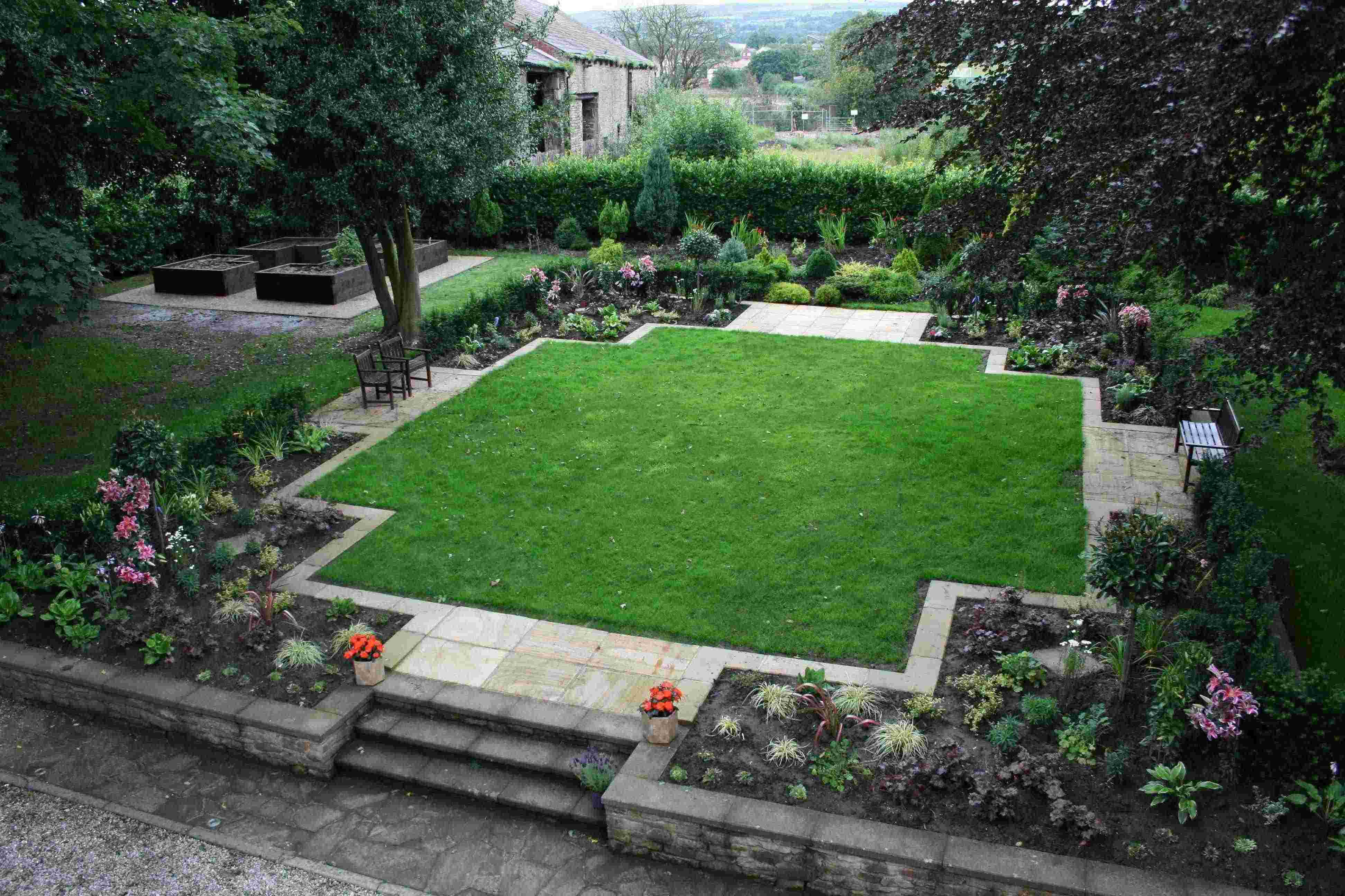Garden landscaping in halifax huddersfield west yorkshire rs pleveys landscape gardeners for Garden designs landscaping